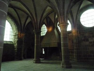 013,2,1、モンサンミッシェル修道院、内部柱ゴシック、P1040352