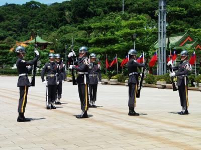 9,4、台湾ツワー、忠烈し、儀礼兵の交代、P9040173