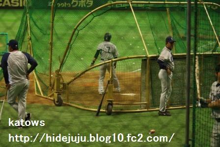 片岡選手打撃練習2