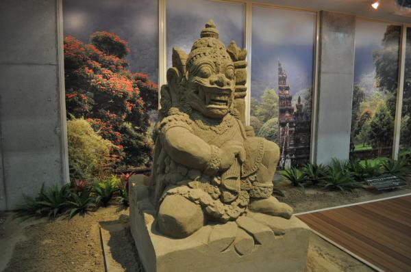 バリヒンドゥーの守り神 004