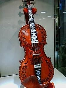 ハルダンゲルヴァイオリン