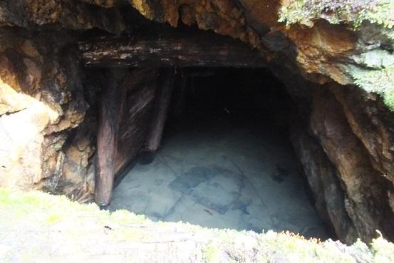 稲倉石口1
