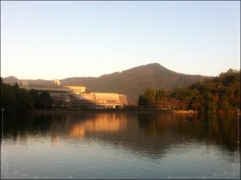 宝ヶ池からの比叡山