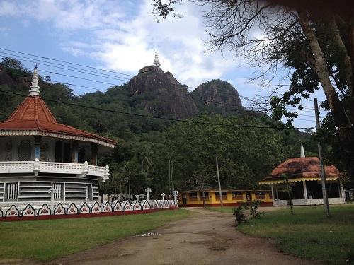 ディンブラーガラ寺院1