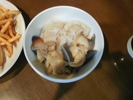 新鮮なホッキ貝の刺身です。
