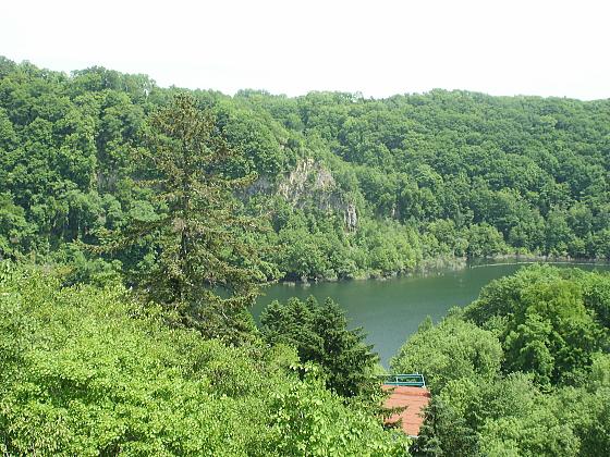 途中に立ち寄った恵庭湖の絶景です。