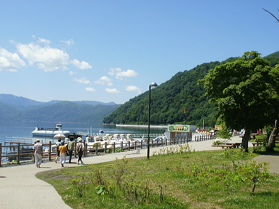 支笏湖温泉近くの船着場です。