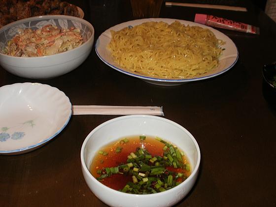 食卓に料理が並んでいます。