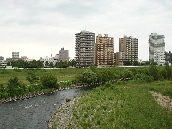 札幌市内を流れる豊平川です。