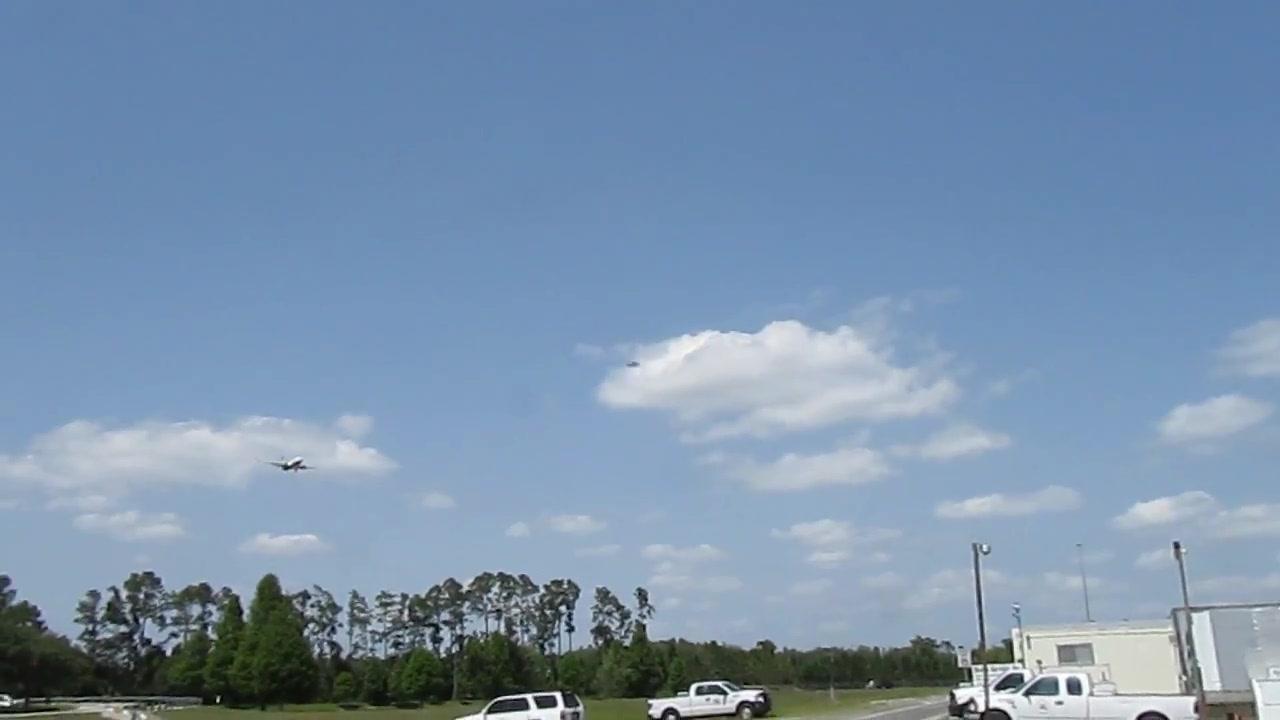 UFO SIGHTING  (ORIGINAL FOOTAGE) 10 JUNE 2011   ORLANDO INTERNATIONAL AIRPORT 050