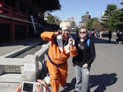 浅草寺のコスプレイヤー