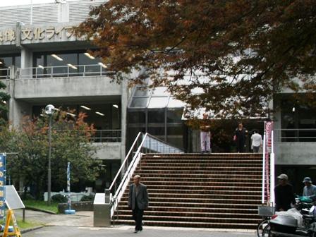 IMG_7687 中央図書館 w