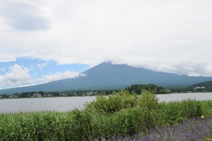 4115雲に隠れてる富士山