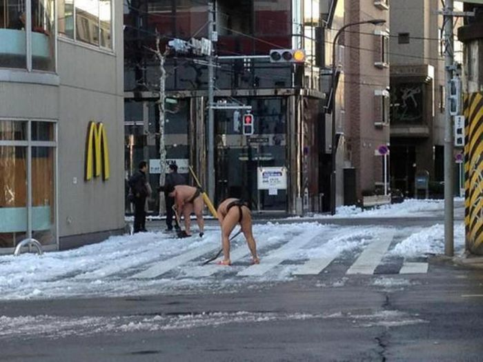相撲雪かき