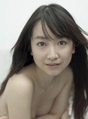 黒川智花上半身裸セミヌード画像