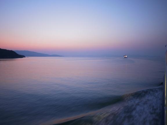 17時43分、小豆島 出港直後