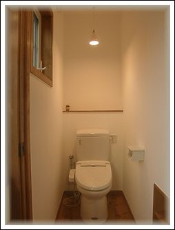 二階トイレ全景