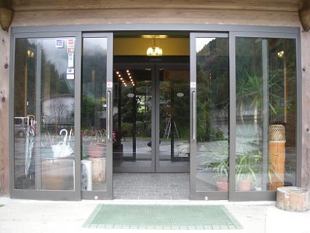玄関自動ドア
