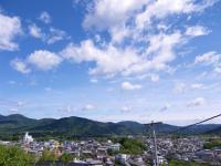 朝熊山と町並み