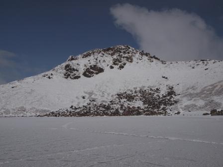 御池の氷上からP1032722