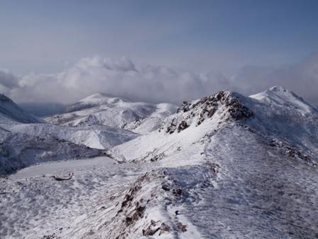 中岳への登山道を見下ろすP1032807