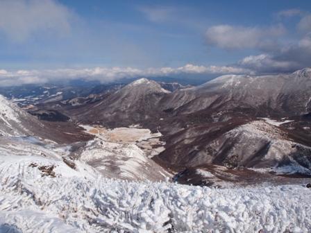 中岳山頂から坊がつるP1032758