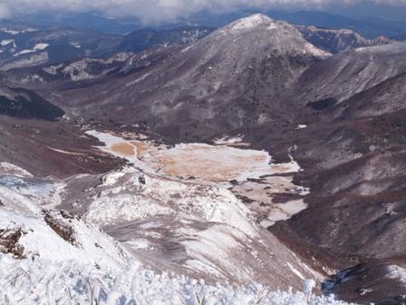 中岳山頂から坊がつるアップP1032757