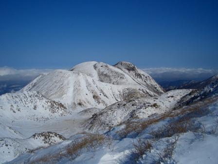 下山途中からの三俣山CIMG0149