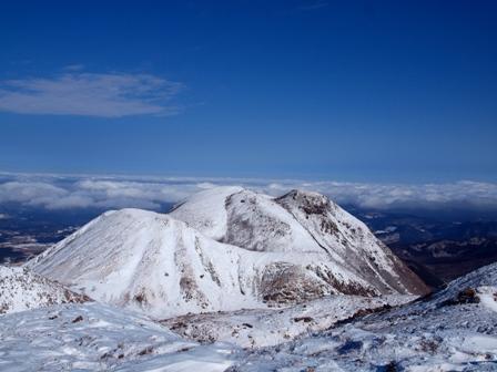 天狗ケ城山頂から三俣山P1182966
