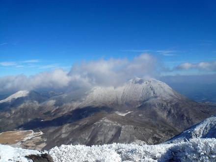 50 中岳山頂から大船山 (440x330)