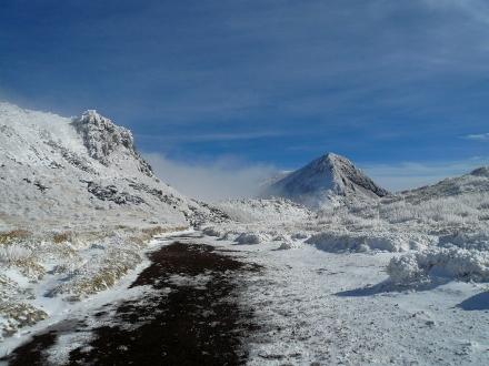 65 下山途中から久住山と星生崎 (440x330)