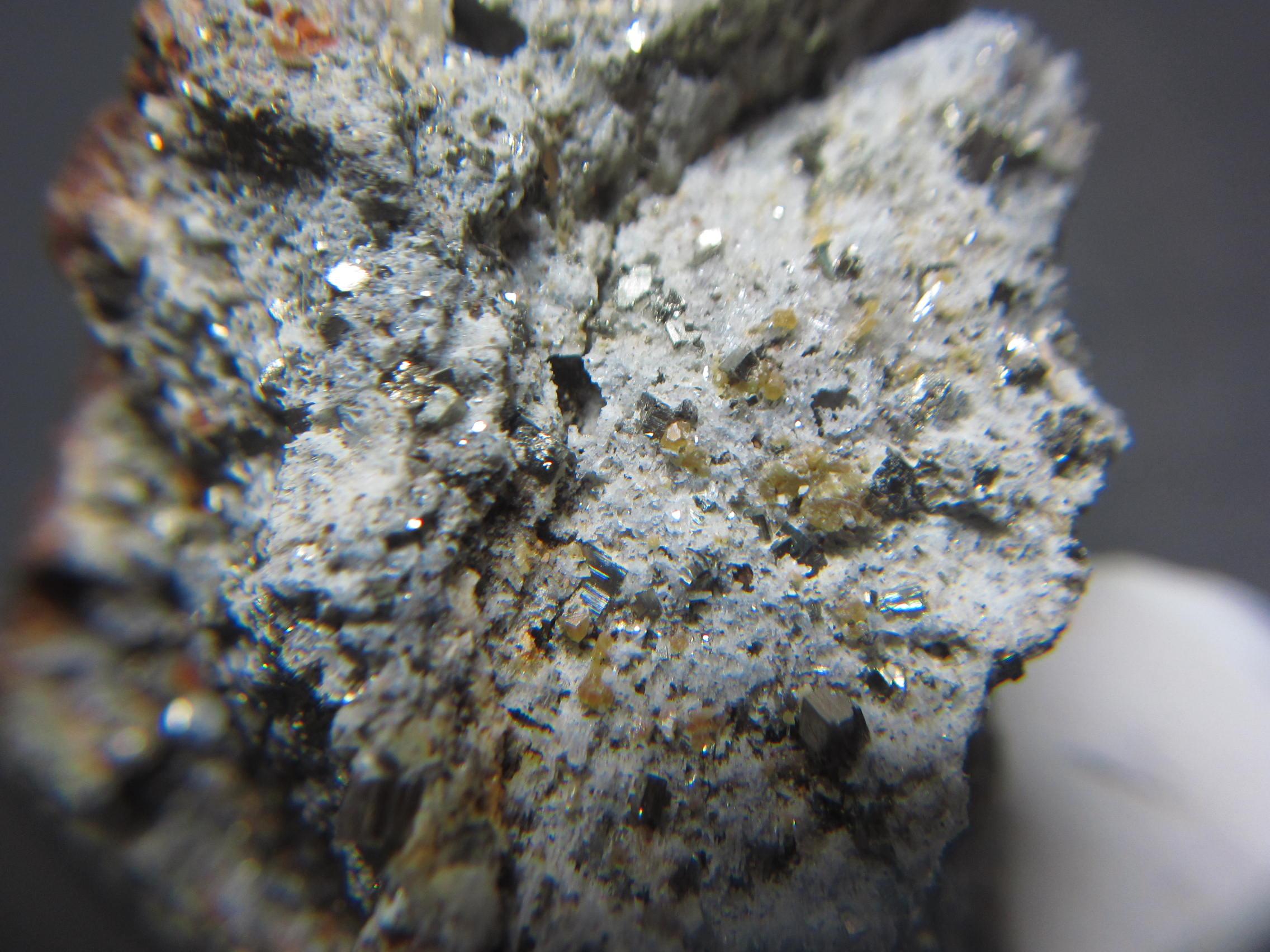 秩父鉱山のミメット鉱3