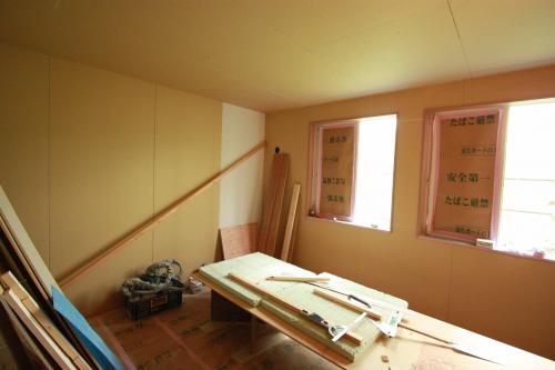床貼り09