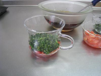 トマトとモロヘイヤのスープ③
