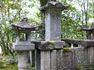 仙石久道妻の墓