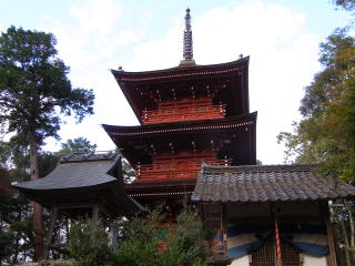 柏原八幡神社三重塔