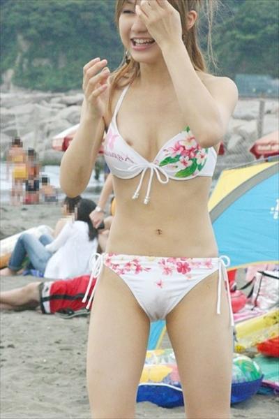海ビーチ素人ギャル水着盗撮画像21