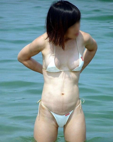 海ビーチ素人ギャル水着盗撮画像15