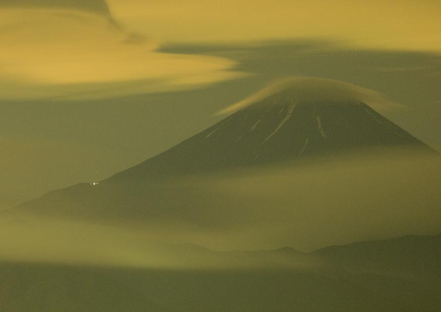 2011-06-26-真夜中の傘雲