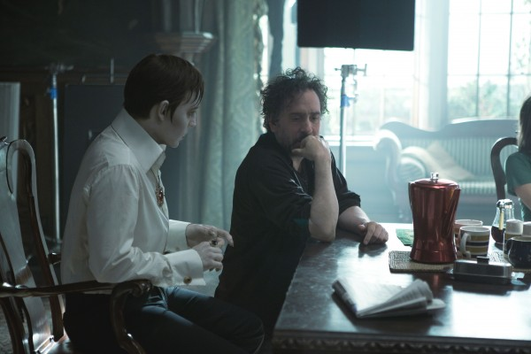 tim-burton-johnny-depp-dark-shadows-image-600x400.jpg