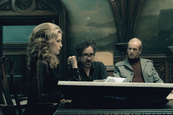 tim-burton-michelle-pfeiffer-dark-shadows-600x400.jpg