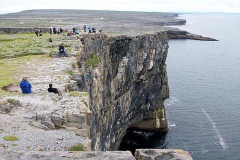 ドン・エンガスの断崖(イニシュモア島)
