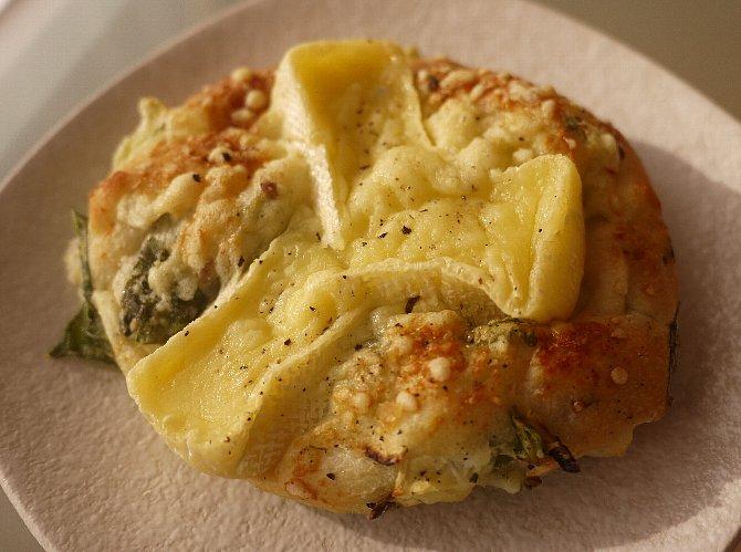 カマンベールと小松菜のフォカッチャ