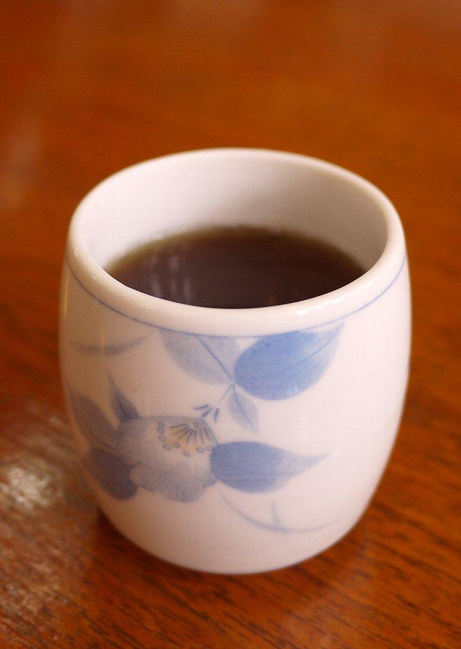 食後の麦茶