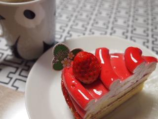 いちごのレアチーズケーキ。