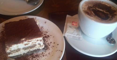 06ゴディバ ケーキ