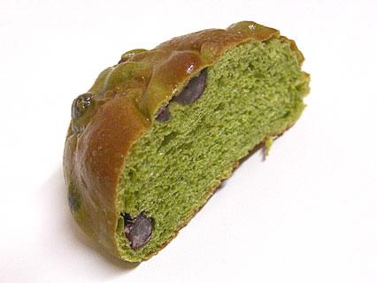 気ままなパン屋 窯蔵 抹茶豆ぱん 断面