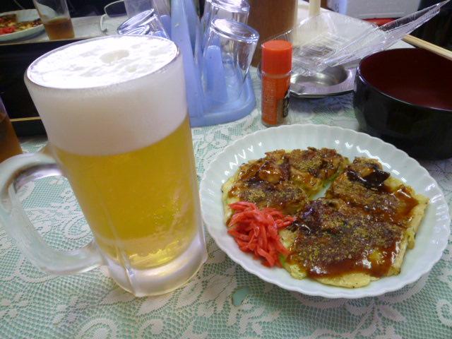地たこ玉焼とビール