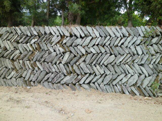 唐櫃独特の石の積み方です
