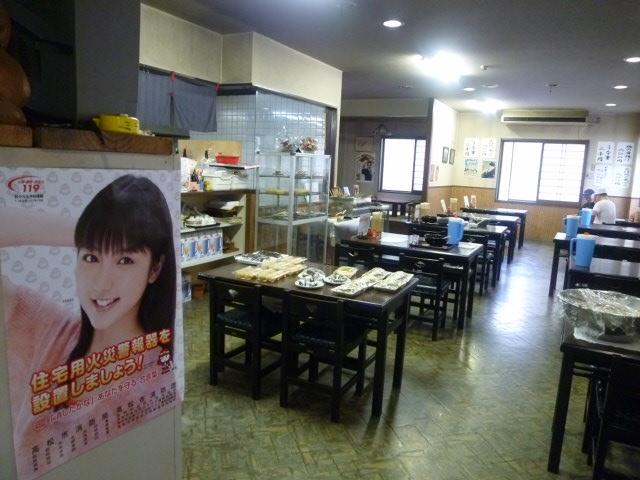 ポスターは真野恵里菜ですね